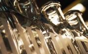 Glasflaskor med frostat tryck